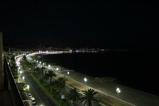 Adagio Nice Promenade Des Anglais : Вид из окна ночью
