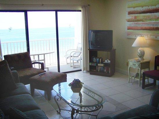 Sea breeze condominiums madeira beach floride voir for Chambre condos madeira beach florida