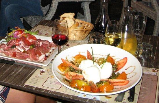 Le Sept/4 : Delicious trio of tomatoes with mozzarella