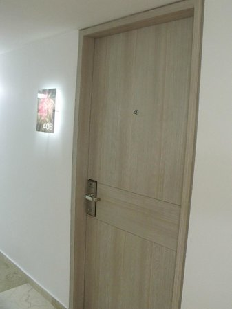 Hotel Casablanca : La puerta de la Habitacion