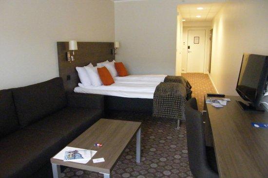 Best Western Baronen Hotell : La chambre est très spacieuse et confortable