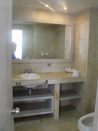 Hotel Casablanca: El baño