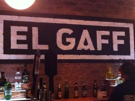 El Gaff: El Bar