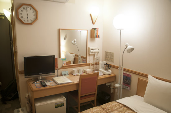 Toyoko Inn Kyoto Gojo Karasuma: 雙人房擺設