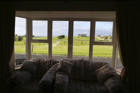 Loughrask Lodge Bed and Breakfast : View from the breakfast lounge