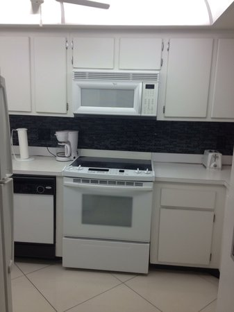 Canaveral Towers Condominiums : Kitchen