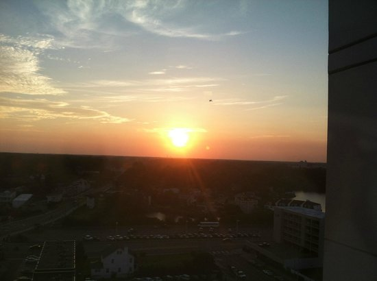 SpringHill Suites Virginia Beach Oceanfront: Another amazing sunset with jet flying by