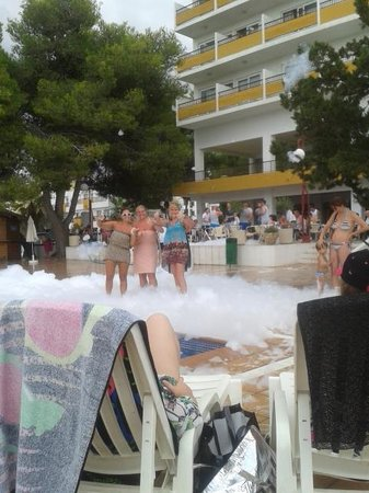 Hotel Playasol Riviera : Foam Party