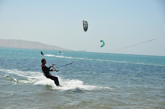 Peru Kite: Kiting at Paracas bay