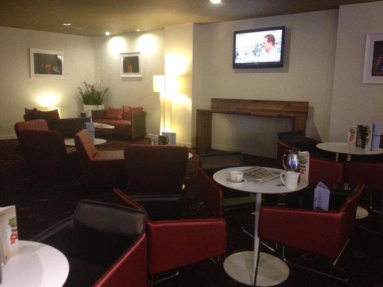 Novotel York Centre: Lobby area