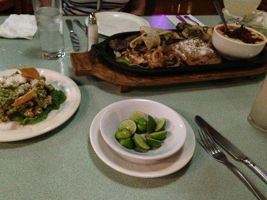 San Carlos Plaza Hotel deliciosa Parrillada para 2