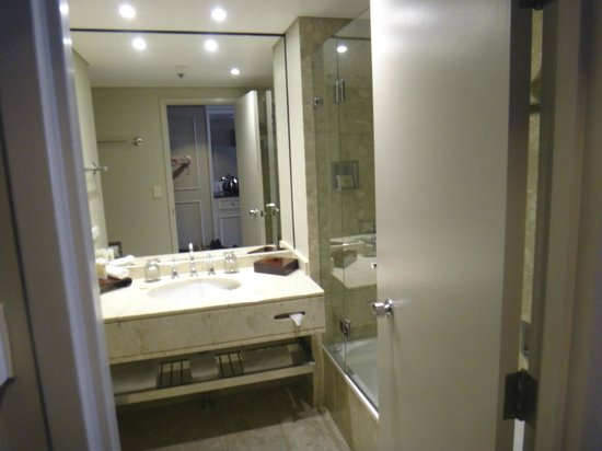 Sofitel Brisbane Central: Bathroom at Sofitel Brisbane