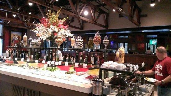 Rioz Brazilian Steakhouse: Amazing Salad Bar