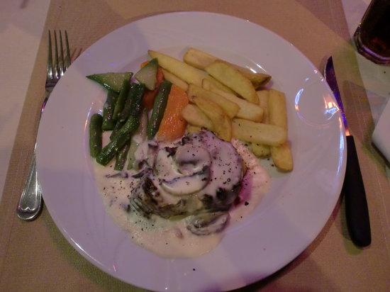 Wayside Restaurant & Bar: A great mushroom steak!