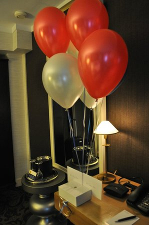 IBEROSTAR 70 Park Avenue Hotel: Balloons and cup cakes