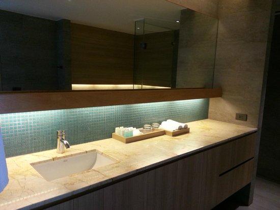 Nap Patong: Bathroom