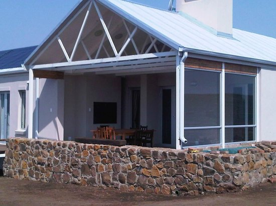 Highlands Farm Estate: Have a braai on the stoep