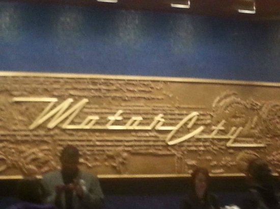 MotorCity Casino Hotel: Front desk.