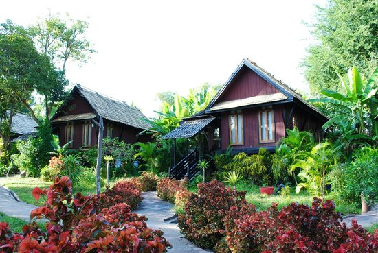 Chanthavinh Resort and Spa: Chambres à l'arrière