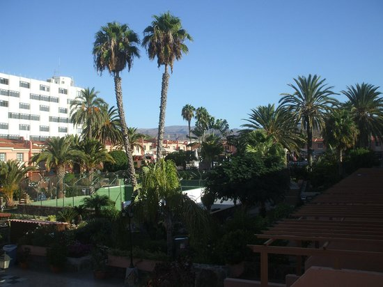Hotel grounds picture of jardin del sol apartments - Playa del ingles jardin del sol ...