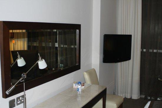 Centro Barsha: camera
