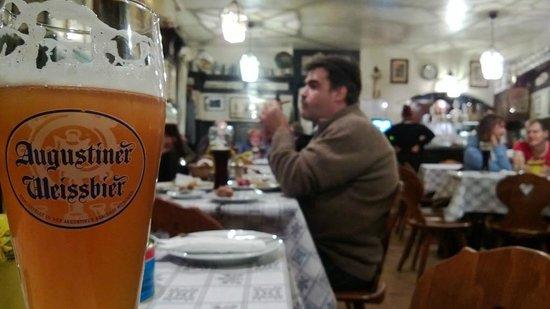 Schranke Schlenkerla Lisette Kiesel: Birra e tavoli interni