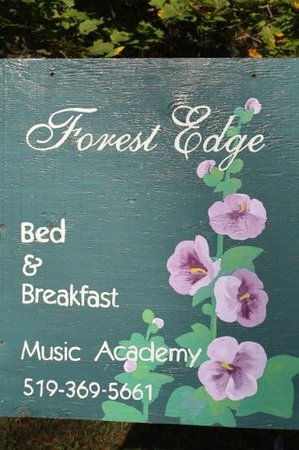 Forest Edge Bed and Breakfast: Forest Edge sign