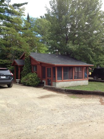 Harmon's Birchwood Resort: Home away from home, cabin #7.