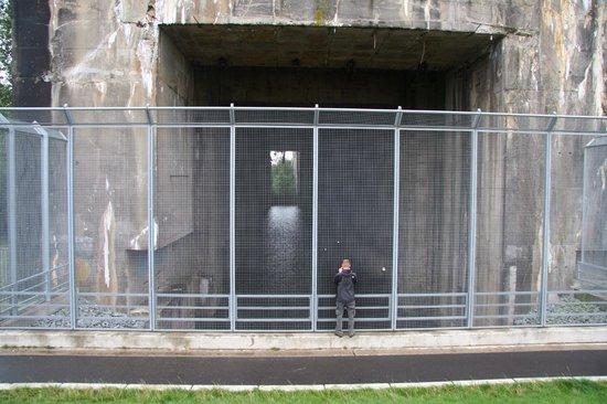 U-Boot Bunker Valentin: Eingang Tauchbecken
