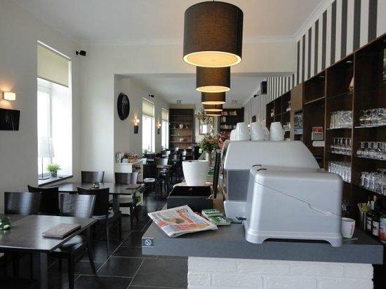 Brazza Cafe: ontbijten...