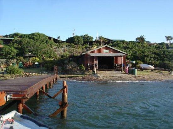 Mudlark River Front Lodge: Jetty