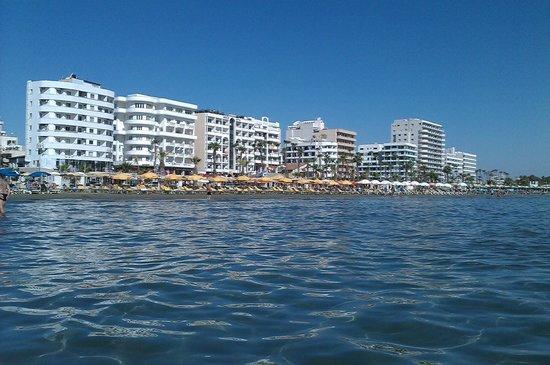 Amorgos Boutique Hotel: passeggiata Larnaca