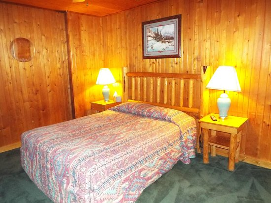 Evergreen Motel : Room 6