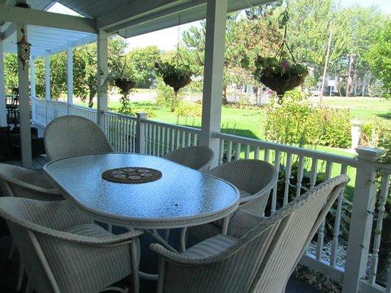 Dexter 1855 House: Front porch we we had breakfast