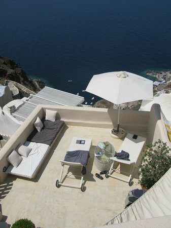 Oia Collection Suites and Villas : Lover's Cave terrace