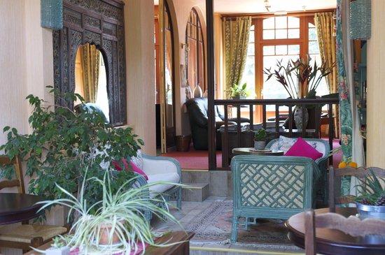 Hostellerie du Bois : Une petite partie du salon...