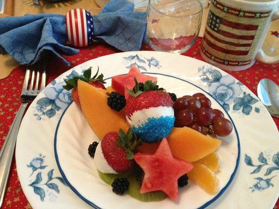 Yosemite's Ravensbrook Bed & Breakfast: american breakfast
