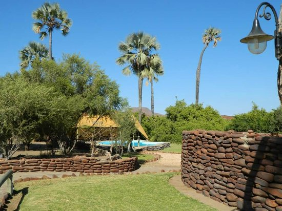 Palmwag Lodge: Pool available to campers as well