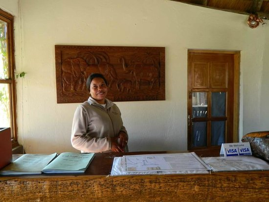 Palmwag Lodge: Very helpful receptionist!