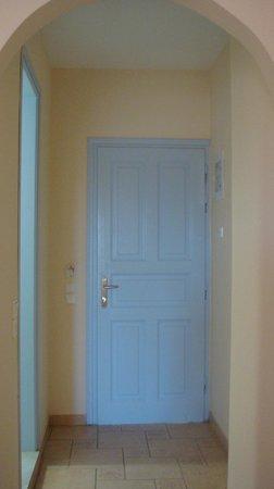 Santo Miramare Resort: La porta della stanza