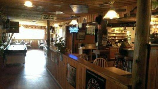 Blue Mountain Grill: Inside