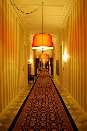Kimpton Hotel Monaco Washington DC: Hallway
