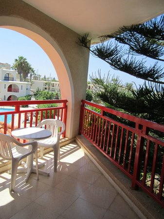 Pandream Hotel Apartments: terrazzo