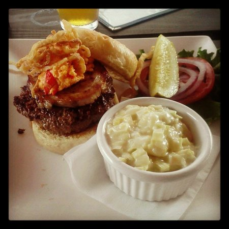 80/20 Burger Bar: Miss Thing with creamed leeks
