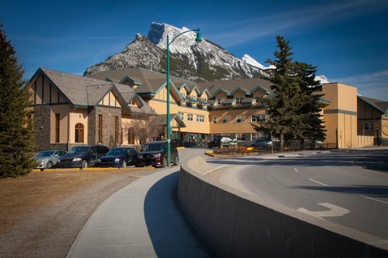 The YWCA Banff Hotel: BANFF Y MOUNTAIN LODGE -- YWCA