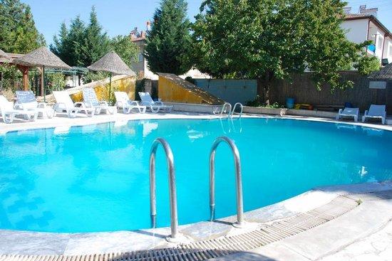 Kose Pension: SwimmingPool