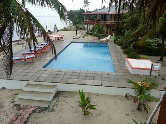 Nautical Inn: perfect private pool overlooking the ocean