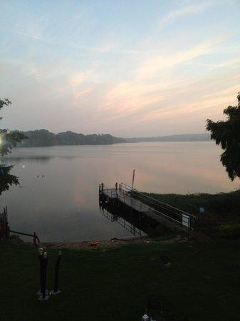 Niederkleveez, Tyskland: Sonnenaufgang am See