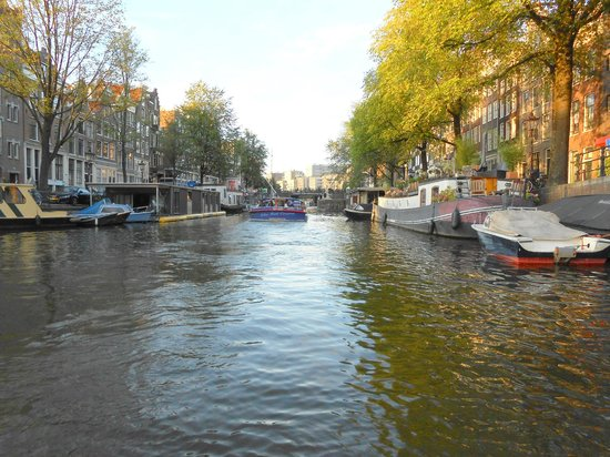 ITC Hotel : What's not to love about Amsterdam's charming scenes?!