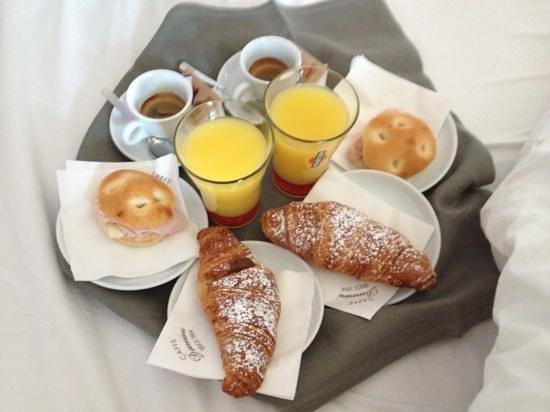 B&B Emozioni Fiorentine: colazione in camera